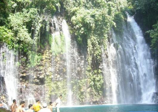 Tinagu falls1