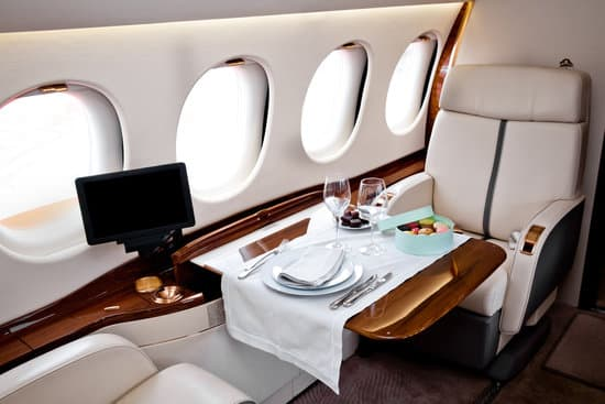 business class flights from London to manila